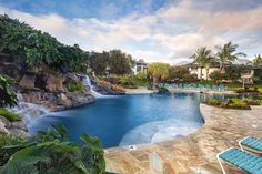 Is #Hawaii on your travel bucket list? See a live volcano, hike the rain forest, or just enjoy the ocean breeze!  Visit us and save up to 20% at Wyndham Bali Hai Villas or one of 12 other Hawaiian resorts!