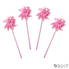 These fanciful pinwheels are fabulous for a flamingo birthday party! They're also great luau party favors, or use them as garden decorations when you line ...