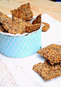 I can not believe it's healthy: Seed Crackers (vegan). Vegan Foods, Vegan Snacks, Healthy Snacks, Vegetarian Kids, Vegetarian Recipes, Seed Crackers Recipe, Good Food, Yummy Food, Vegan Bread