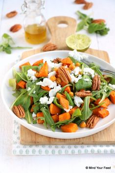Zoete aardappel salade met geitenkaas - Mind Your Feed Vegetarian Recipes, Cooking Recipes, Healthy Recipes, Healthy Food, Pasta Soup, Thai Red Curry, Cobb Salad, Healthy Lifestyle, Good Food