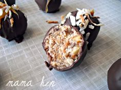 Samoa Cookie Bites - might have to make these if the local Girl Scouts are selling Caramel Delights (ick) this year. Great Desserts, Delicious Desserts, Dessert Recipes, Yummy Food, Unique Recipes, Sweet Recipes, Yummy Recipes, Macarons, Samoa Cookies