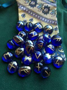 Glass Nugget Starter Rune Stones & Pouch.Pagan Witch Viking ELDER FUTHARK SET