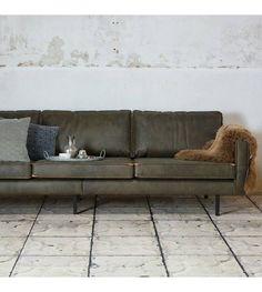 Tips That Help You Get The Best Leather Sofa Deal. Leather sofas and leather couch sets are available in a diversity of colors and styles. A leather couch is the ideal way to improve a space's design and th Seater Sofa, Living Room Sofa, Sofa, Leather Couch, Green Leather Sofa, Brown Leather Sofa, Couches Living Room, Sofa Deals, Green Couch Living Room