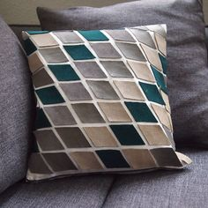 Tutorial: Make this no sew leather pillow case for your couch