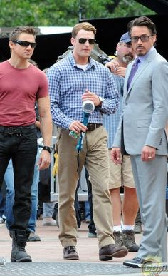 cool The Avengers, Jeremy Renner, Chris Evans, & Ro...   Loves Check more at http://kinoman.top/pin/15125/
