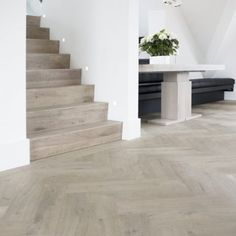 stairs and flooring Interior Architecture, Interior And Exterior, Veranda Design, Escalier Design, Timber Flooring, Home And Living, Sweet Home, New Homes, Home And Garden