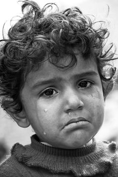 43 Trendy Ideas for eye photography crying portraits Sad Child, Poor Children, Emotional Photography, Face Photography, Children Photography, Photography Ideas, Expressions Photography, Face Study, Sad Faces