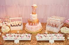 Hot Air Balloon Themed Girl's First Birthday Party | Tiny Prints Blog