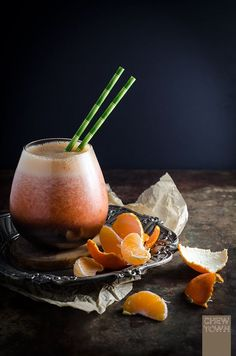 Tangerine and strawberry smoothie: