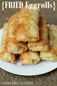 Easy Fried Eggroll Recipe on { lilluna.com } YUMMY!