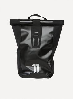 11 by Boris Bidjan Saberi - VELOCITY Messenger Backpack https://cruvoir.com/en/11-by-bbs-boris-bidjan-saberi/2590-velocity-messenger-backpack