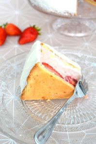 Rhubarb strawberry cake