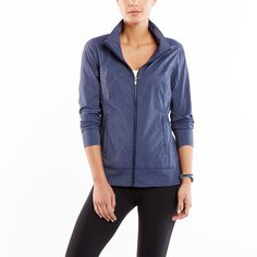 Get your day off to a strong start with this easy to wear boxy fit jacket. The perfect third layer piece to truly do everything. | Yoga | lucy activewear summer collection