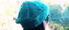 Un proyecto en dos agujas para principiantes: cómo tejer una Boina Francesa paso a paso, con un ovillo y con sólo saber tejer el punto derecho y el punto revés. Knitted Hats, Winter Hats, Knitting, Crafts, Hippy, Blog, Fashion, Templates, Knit Shawl Patterns
