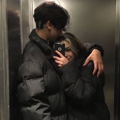 Cute Couples Photos, Cute Couple Pictures, Cute Couples Goals, Couple Goals, Couple Photos, Cute Teen Couples, Cute Couple Selfies, Emo Couples, Teenage Couples