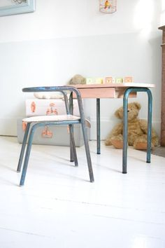Vintage desk in kid'