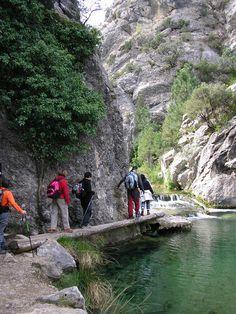 El Parrisal, en Beceite-- lugares curiosos de Aragón que tal vez desconocías. - Página 7 - ForoCoches Sousse, Ponte, Andalucia, Travel Around, Adobe Illustrator, Travel Destinations, Places To Travel, Places To Visit, Travel Bags