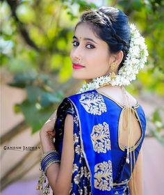 Stylish Girls Photos, Stylish Girl Pic, Indian Bride Poses, Bridal Portrait Poses, Indian Wedding Couple Photography, Wedding Saree Collection, Desi Girl Image, Dehati Girl Photo, Cute Little Girl Dresses