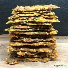 Disse glutenfri majs knækbrød med cheddarost, er virkelig lækre. Deegner sig både til morgenmad, mellemmåltids snack og som en slags Tortilia chips pga. osten der bages med i knækbrødet. Gluten Free Snacks, Gluten Free Recipes, Healthy Snacks, Vegetarian Recipes, Healthy Recipes, Tapas, Rye Bread Recipes, Fish Dishes, Bread Baking