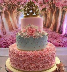 Inspire sua Festa ® | Blog Festa e Maternidade Princess Party, Decoration, Art Education, Architecture Art, Living Room Decor, Wedding Cakes, Inspiration, Design, Corona Cake