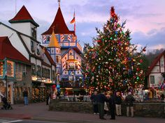 Click this pin for a list of Christmas events in Helen, #Georgia!