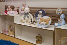 Quadros em bastidor para maternidade, para o curso Decoração para bebês com Débora Radtke