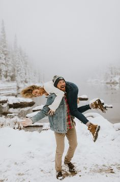Snowy Engagement Session at Rocky Mountain National Park, CO.- Snowy Engagement Session at Rocky Mountain National Park, CO Winter Couple Pictures, Winter Engagement Pictures, Mountain Engagement Photos, Engagement Photo Outfits, Winter Photos, Winter Pictures, Engagement Session, Engagement Ideas, Engagement Ring