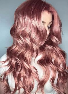 rose gold hair 13 Gorgeous Fall Hair Colors to Try : The Best Hair Color Trends for Fall Pretty Hairstyles, Straight Hairstyles, Hairstyle Ideas, Black Hairstyles, Easy Hairstyles, African Hairstyles, Natural Hairstyles, Cabelo Rose Gold, Gold Hair Colors