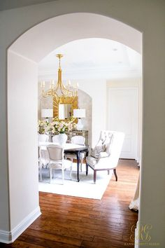 Incredible dining room design ideas - Get style ideas and embellishing ideas to makeover your dining-room for every single day, entertaining and holidays. #dinner #diningroom #interior #kitchen #homeimprovement