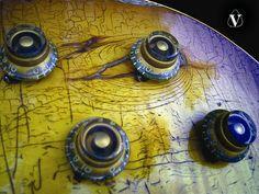 Vintage Gibson 1959 Les Paul Standard guitar knobs detail photo. flikr.com
