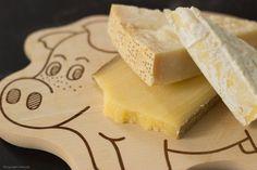 Kaas voor kaaskroketten Camembert Cheese, Pineapple, Cheesecake, Fruit, Desserts, Food, Kitchens, Tailgate Desserts, Deserts