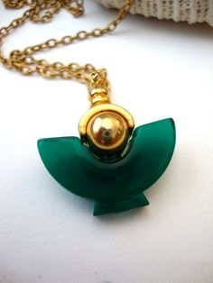 Vintage Bottle Necklace  Jade Amphora vintage by SurLhistoire, $25.00 #vintage #jewellry #jewelry