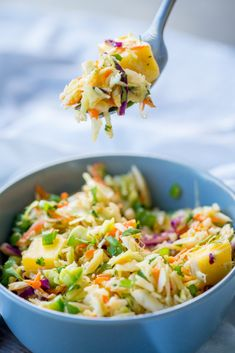 Coleslaw Salad, Coleslaw Recipes, Baked Chicken Recipes, Veggie Recipes, Vegetarian Recipes, Carribean Chicken, Olive Garden Recipes, Healthy Eating Recipes, Kitchens