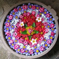Raise your words not your voice. It is rain that grows flowers Not thunder. - Rumi Flower Mandala by genericavatar. Beltane, Land Art, Love Flowers, Beautiful Flowers, Flowers Pics, Belle Image Nature, Mudras, Flower Rangoli, Rangoli Designs