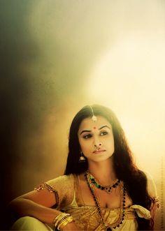 She looks like such a goddess here (Vidya Balan) Kerala Jewellery, Indian Jewelry, Kerala Saree, Vidya Balan, South Asian Wedding, India Beauty, Indian Bridal, Indian Outfits, Bollywood Actress