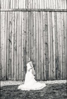 #imagesbyblake #zyntangofarm #barnwedding #bride