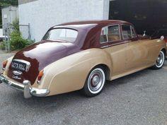 10 Things You Never Knew about Rolls Royce Silver Cloud Rolls Royce Silver Cloud, Vintage Cars, Antique Cars, Mercedes 300sl, Bentley Mulsanne, Best Classic Cars, Mini Trucks, Custom Trucks, New Tricks