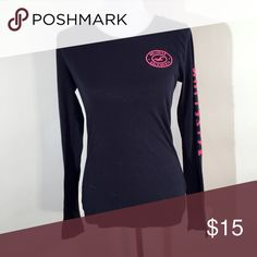 "HOLLISTER NAVY PINK LOGO LONG SLEEVE SHIRT MEDIUM ❤️Length: 25"" ❤️Width (armpit to armpit): 17"" ❤️Excellent condition ❤️Same day shipping  ❤️15% off for 2 items or more bundle ❤️MAKE ME AN OFFER Hollister Tops Tees - Long Sleeve"