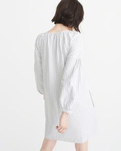 A&F Women's Poplin Peasant Dress in White - Size XS Petite