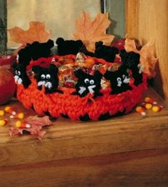 Black Cat Candy Dish | Crocheting Crafts | Halloween Crafts | Love the Country
