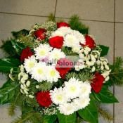 Rounded form leinakimp roses and krüsanteemidega. flowers delivery Estonia $75.99