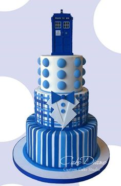 Cake Wrecks - Home - Sunday Sweets: Doctor Who Day. Pretty Cakes, Cute Cakes, Dr Who Cake, Doctor Who Cakes, Doctor Who Wedding, Adult Birthday Cakes, Cake Birthday, Cake Wrecks, Novelty Cakes