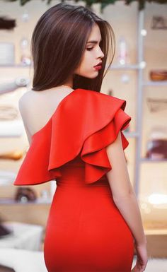 sexy ruffles women short dress One shoulder fashion bodycon Nightclub dresses vestidos@ https://aizabeautyf.com/collections/sexy-nightclub-dress/products/summer-sleeveless-party-dressone-shoulde?variant=32322185544