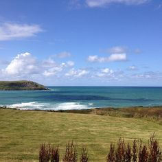 Yes, the sea really is this blue today! #nofilterneeded #trebetherick #polzeath #stmoritzhotel #summer #cornwall