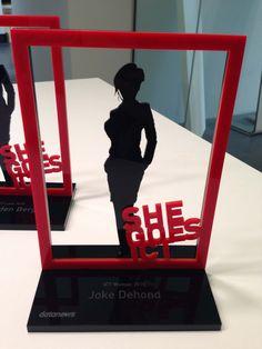 Roularta - DataNews - She Goes ICT 2015 - Acrylic awards - corporate gifts 3