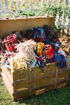 blankets for a fall wedding | Kt Crabb #wedding