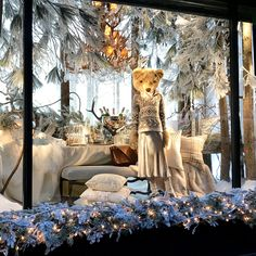 """RALPH LAUREN, Fifth Avenue, New York, """"If you're thinking of what to get me for Christmas then."""", pinned by Ton van der Veer what to get for christmas fun Trending Christmas Gifts, Red Christmas, Christmas Windows, Christmas Presents, Winter Window Display, Shop Window Displays, Visual Merchandising Displays, Retail Windows, Christmas Stocking Stuffers"""