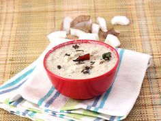 Authentic South Indian Coconut Chutney - Absolute must for delicious dosas, idlis and vadas..