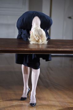 """The Impossible Wardrobe""Cloakroom a performance by Olivier Saillard and Tilda Swinton - 016 (1)"
