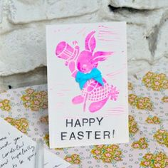 Make your own stamp to send out your unique easter greetings into the world - with a little bit of vintage and a neon glow. (in German)